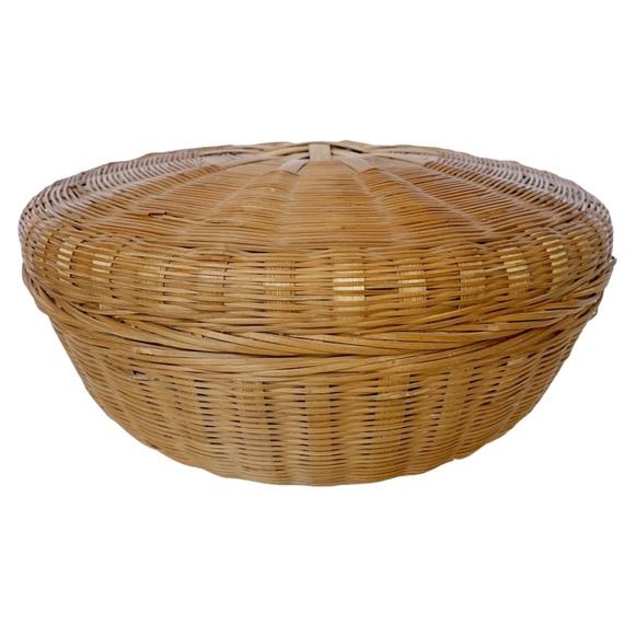 VTG boho lidded round woven basket storage trinket